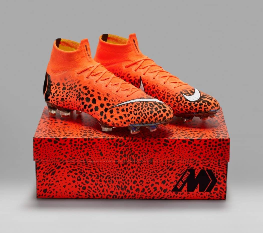 http://www.footpack.fr/wp-content/uploads/2018/03/chaussures-football-Nike-Mercurial-Superfly-360-Kim-Jones-Edition-img1-1050x932.jpg