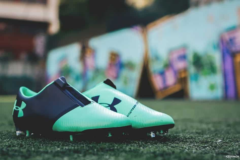 chaussures-football-Under-Armour-Spotlight-2-vert-img10