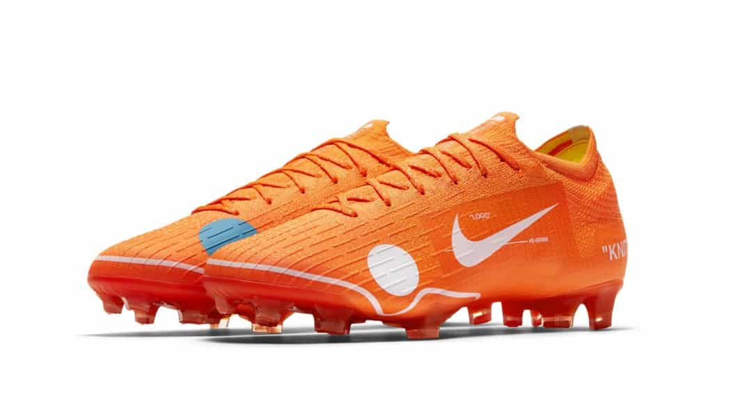 http://www.footpack.fr/wp-content/uploads/2018/03/chaussures-football-nike-Mercurial-Vapor-XII-Off-White-img2-1050x602.jpg