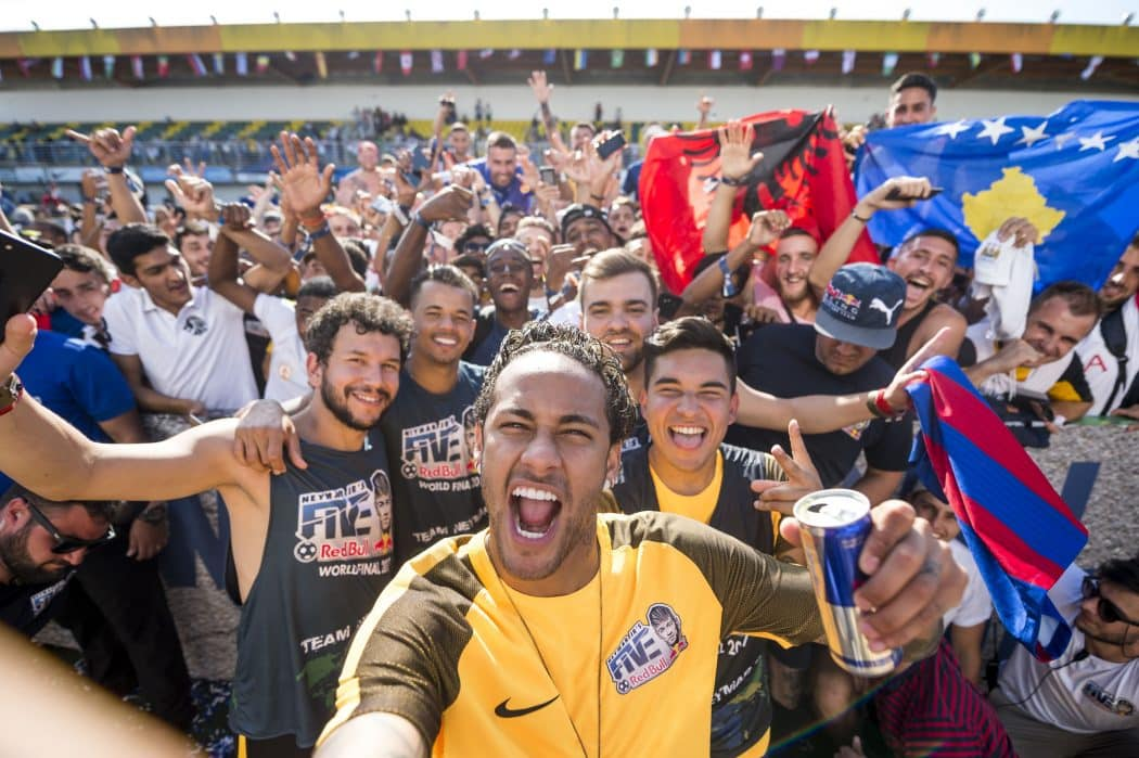 http://www.footpack.fr/wp-content/uploads/2018/03/evenement-Neymar-Jrs-Five-France-img1-1050x699.jpg