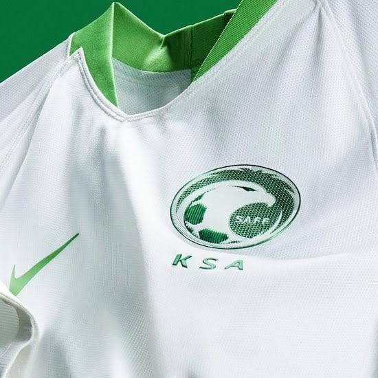 maillot-domicile-arabie-saoudite-coupe-du-monde-2018-nike-2