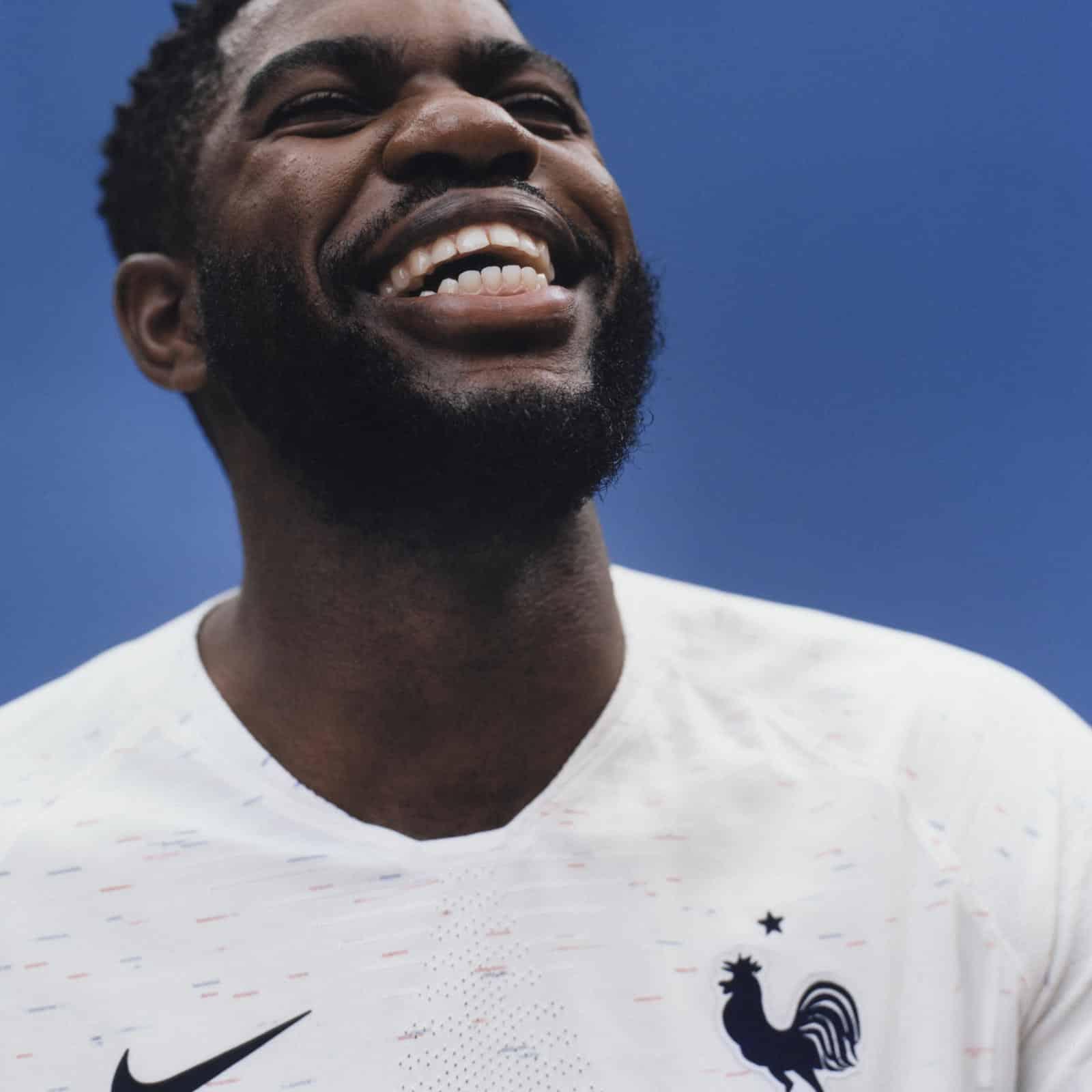 Nike d voile les maillots de l 39 quipe de france pour la for Maillot exterieur equipe de france