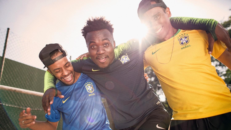 maillot-football-Nike-Bresil-2018-img3