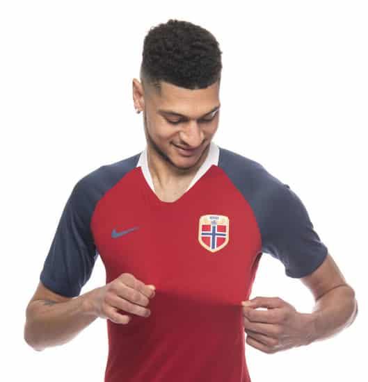 maillot-football-Nike-Norvege-domicile-2018-img5