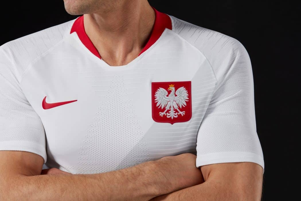 http://www.footpack.fr/wp-content/uploads/2018/03/maillot-football-Nike-Pologne-domicile-2018-img3-1050x700.jpg