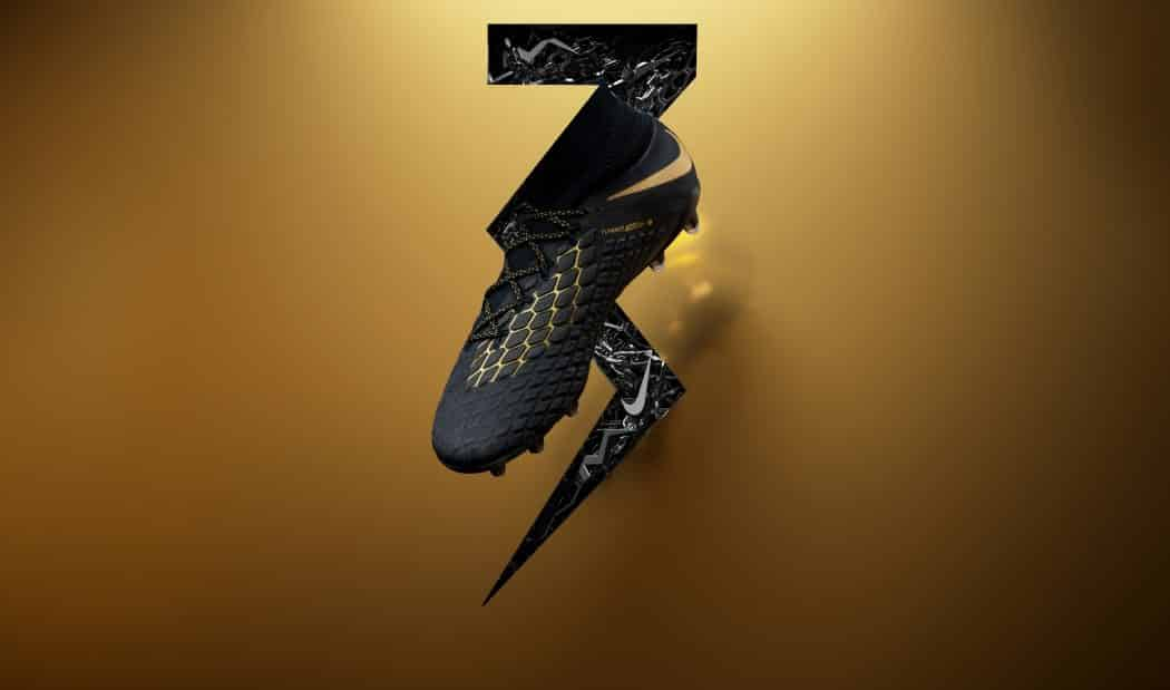 http://www.footpack.fr/wp-content/uploads/2018/04/chaussures-football-Nike-Hypervenom-Phantom-III-Touch-of-Gold-img1-1050x619.jpg