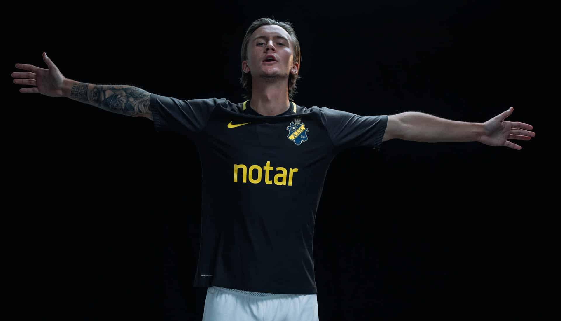 maillot-football-Nike-AIK-domicile-2018-img1