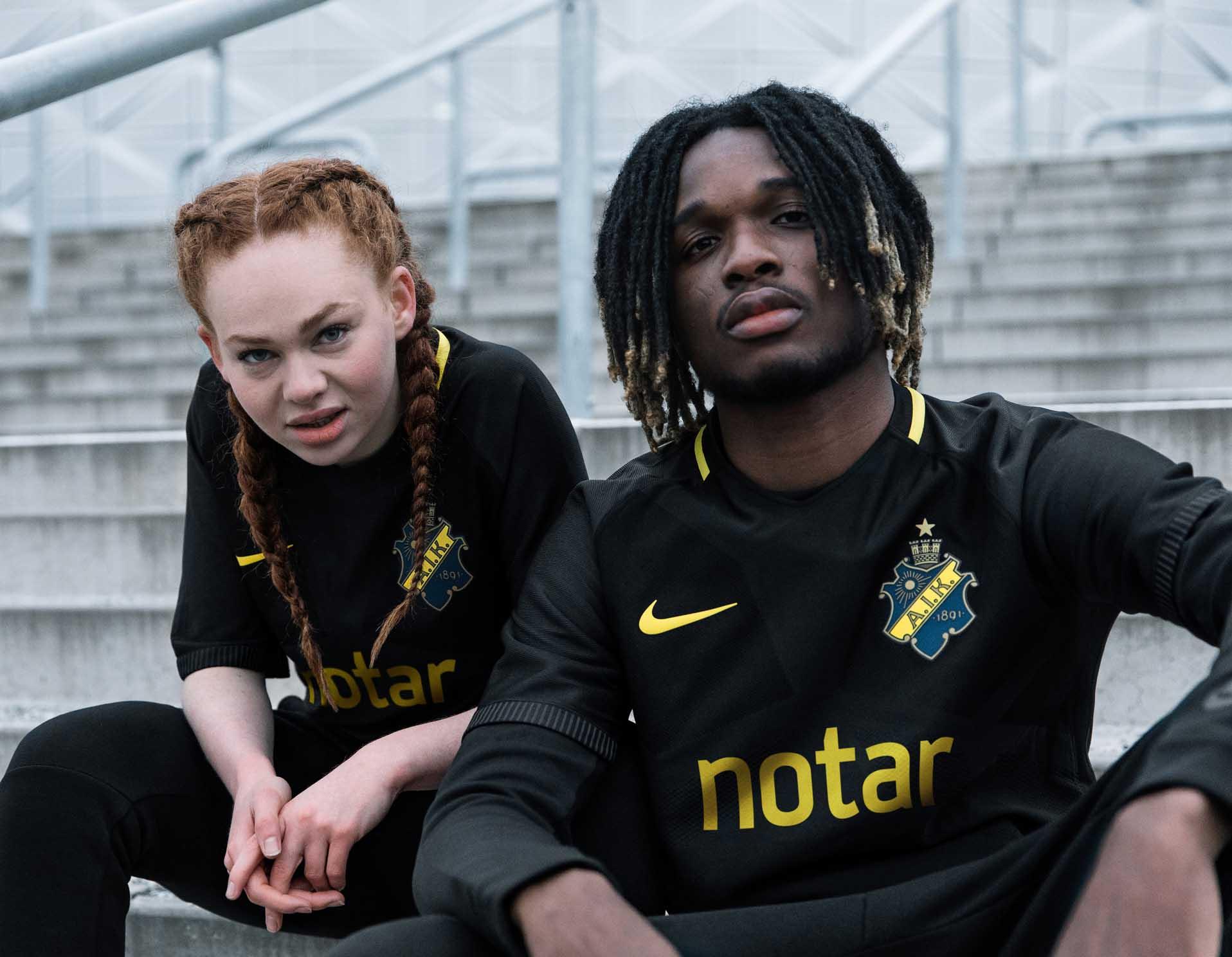 maillot-football-Nike-AIK-domicile-2018-img3