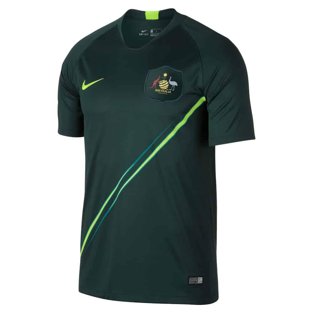 Nike et l 39 australie d voilent les maillots pour la coupe - Cadre maillot de foot ...