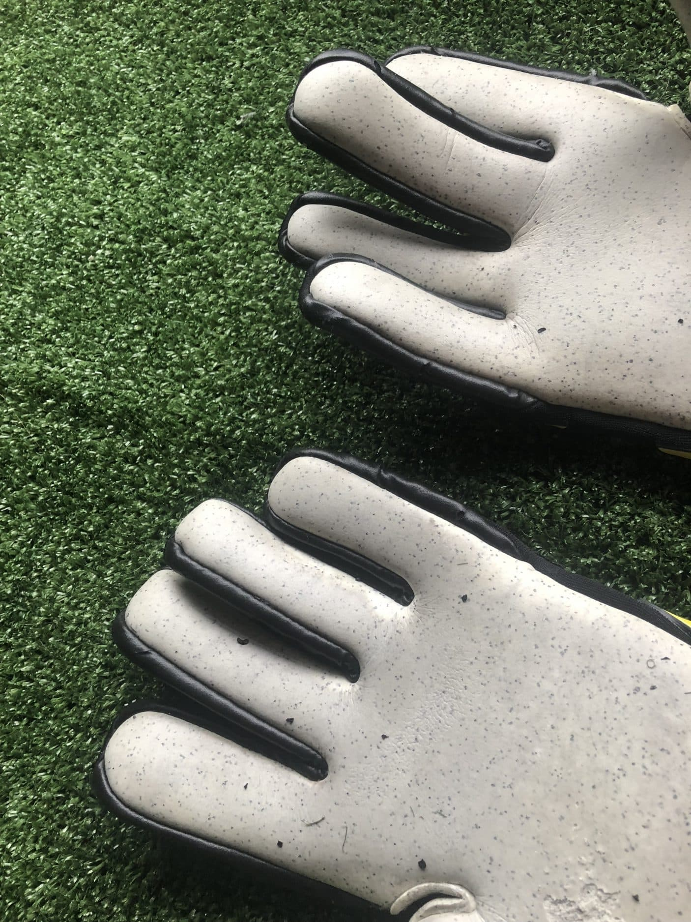 test-gants-gardien-Macron-Shark-XF-img21