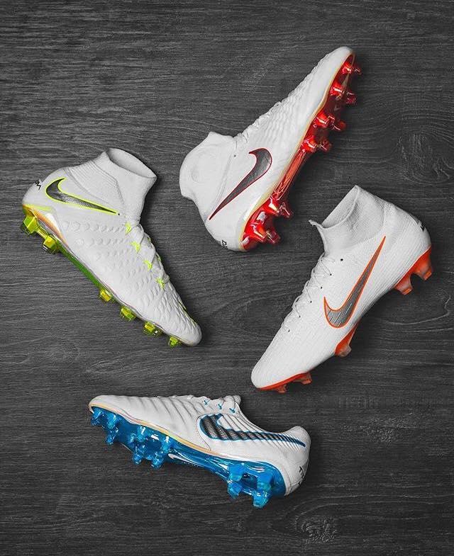 Au niveau des coloris, Nike reste beaucoup plus sobre que lors de la  dernière Coupe du Monde 2014 en Brésil !