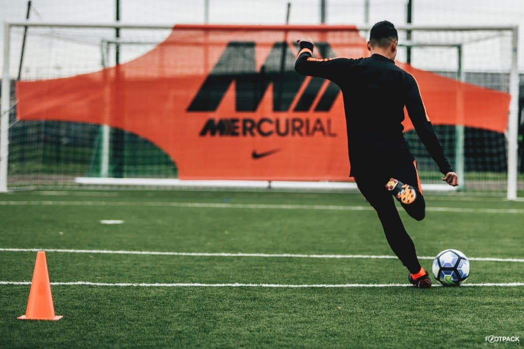 http://www.footpack.fr/wp-content/uploads/2018/05/chaussure-football-Nike-Mercurial-360-Elite-test-Footpack-img6-1050x700.jpg