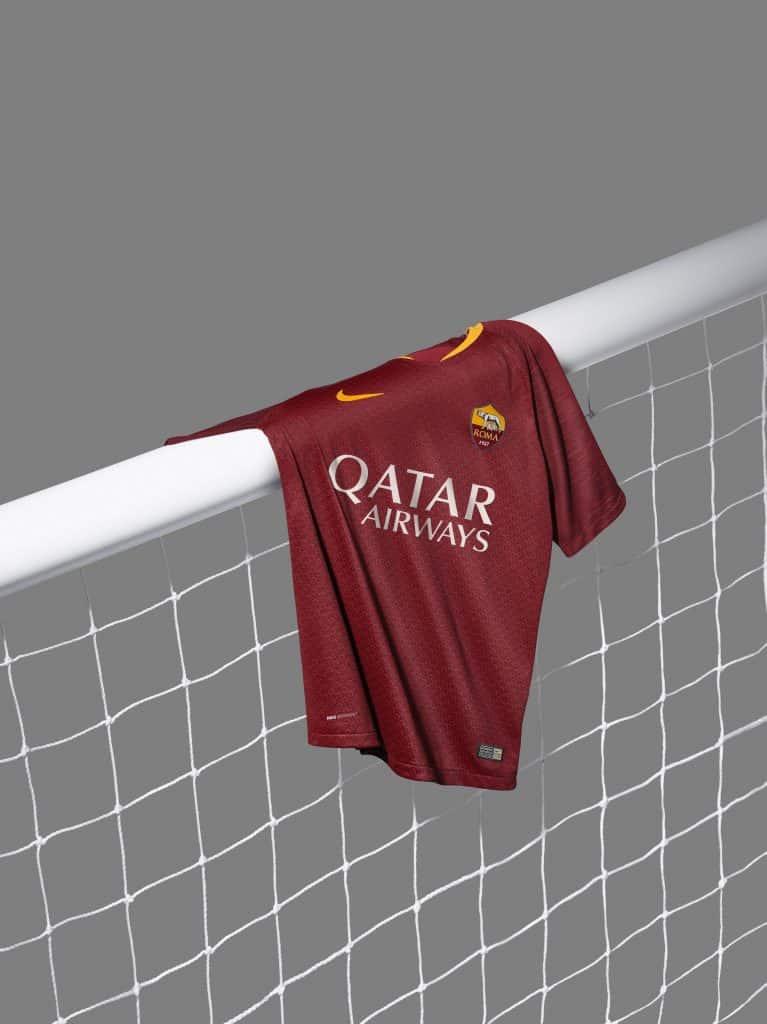 maillot-football-2018-2019-as-roma-mai-2018-3