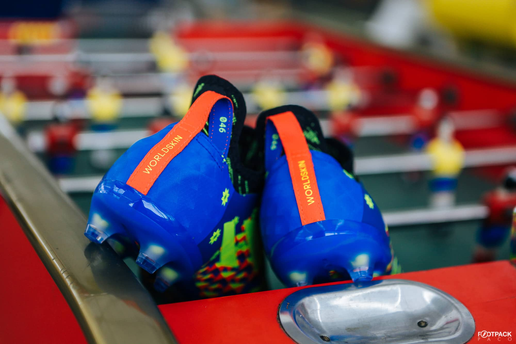 Chaussures-football-adidas-glitch-18-2-0-Worldskin-France-Coupe-Monde-Juin-2018-1