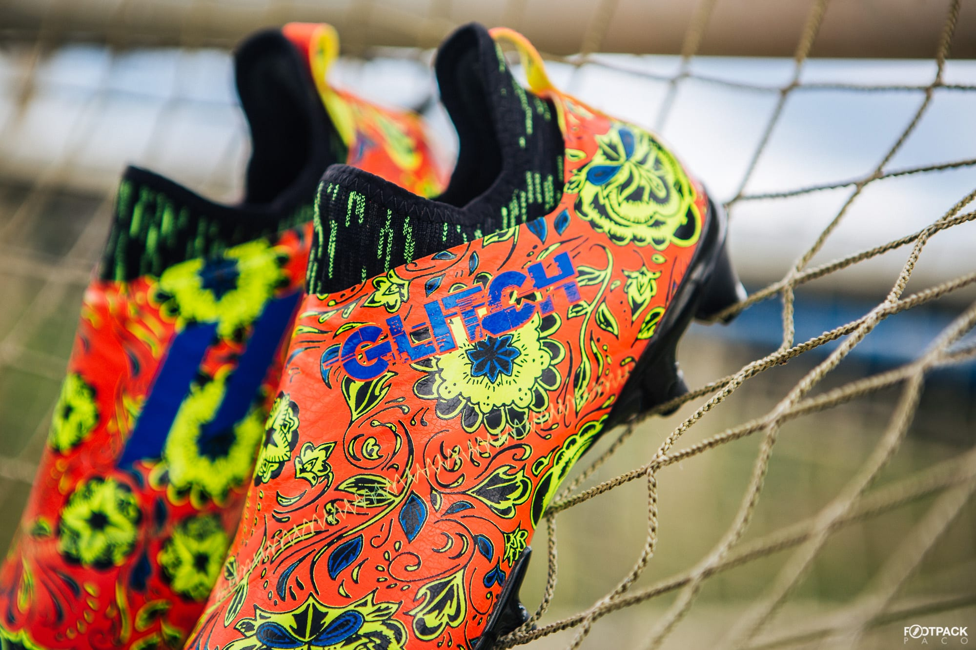 Chaussures-football-adidas-glitch-18-2-0-Worldskin-France-Coupe-Monde-Juin-2018-10
