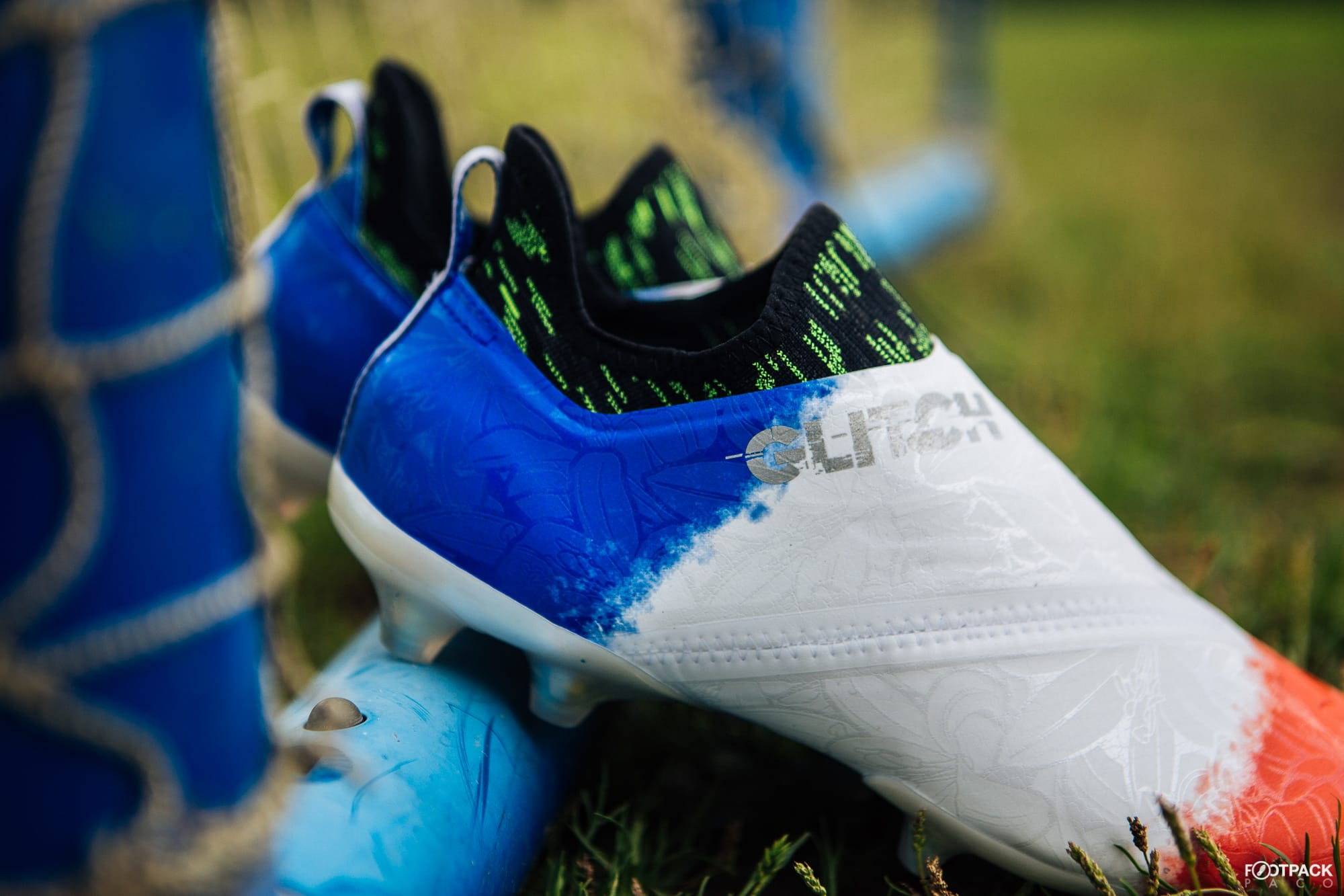 Chaussures-football-adidas-glitch-18-2-0-Worldskin-France-Coupe-Monde-Juin-2018-13