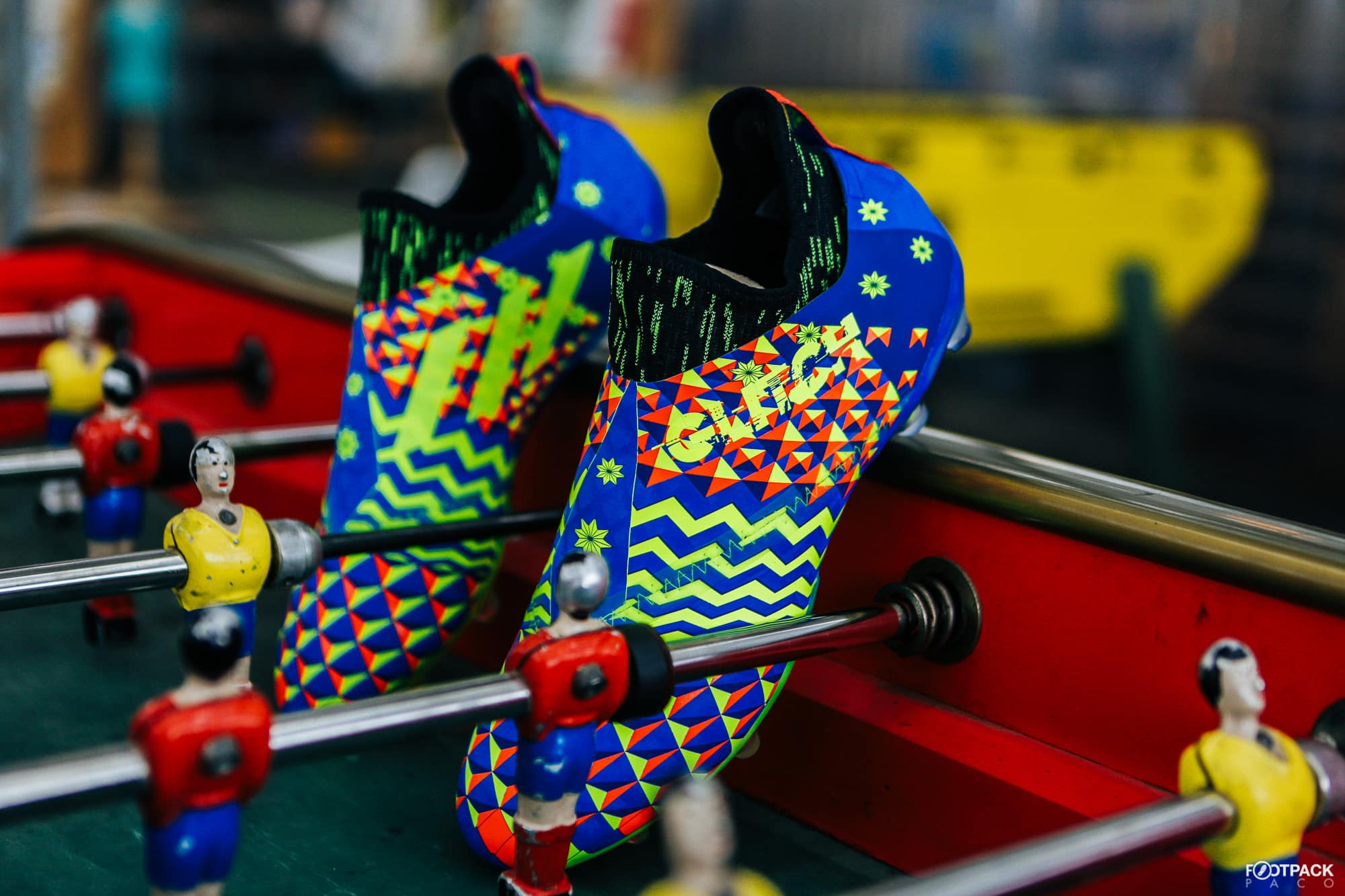 Chaussures-football-adidas-glitch-18-2-0-Worldskin-France-Coupe-Monde-Juin-2018-3