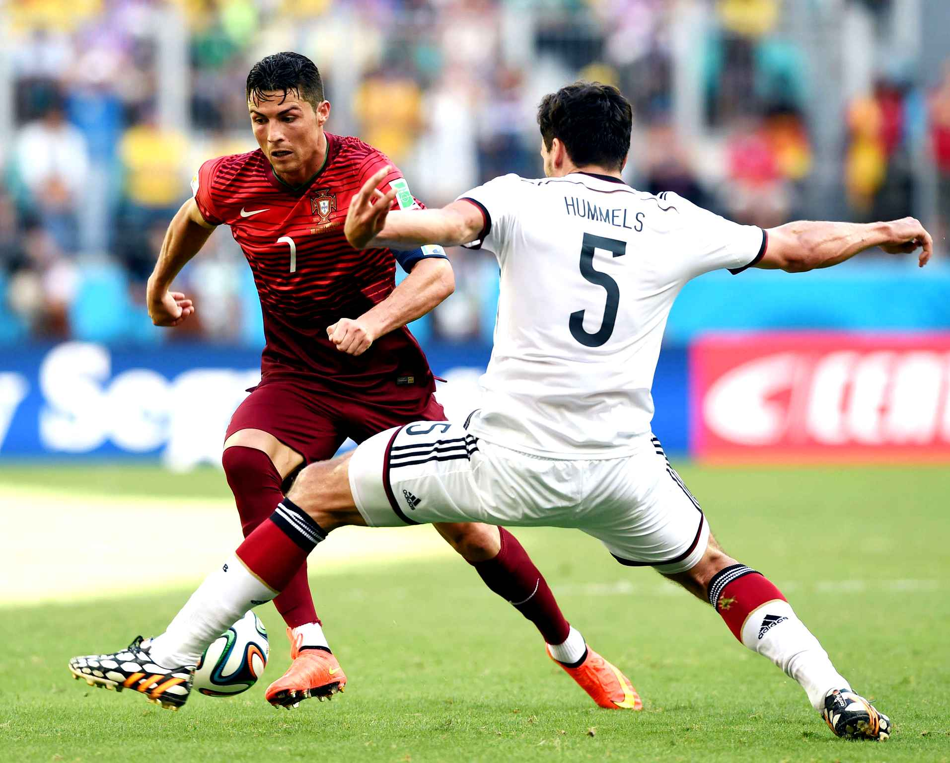 Chaussures-football-nike-mercurial-ronaldo-2014-juin-2018