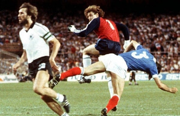 http://www.footpack.fr/wp-content/uploads/2018/06/maillots-vainqueurs-coupe-monde.jpg