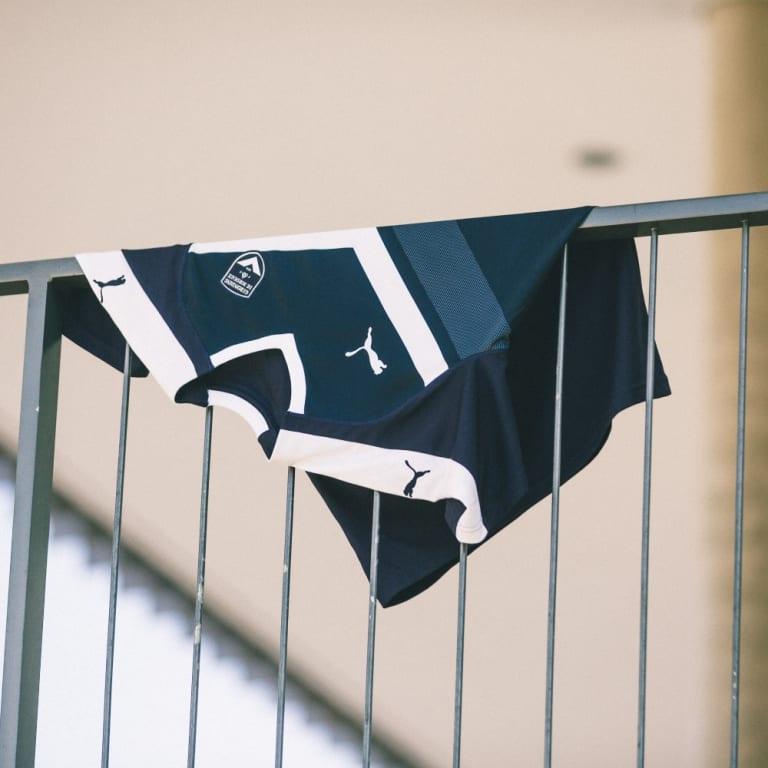 Girondins - Puma présente les trois nouveaux maillots de Bordeaux