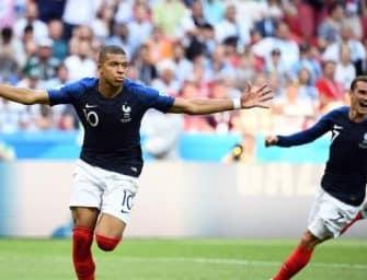 Après avoir porté cinq ensembles différents, comment va jouer l'Équipe de France pour sa demi-finale face à la Belgique ?