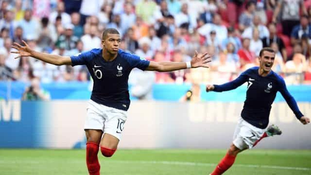 http://www.footpack.fr/wp-content/uploads/2018/07/maillots-football-nike-france-belgique-juillet-2018.jpg