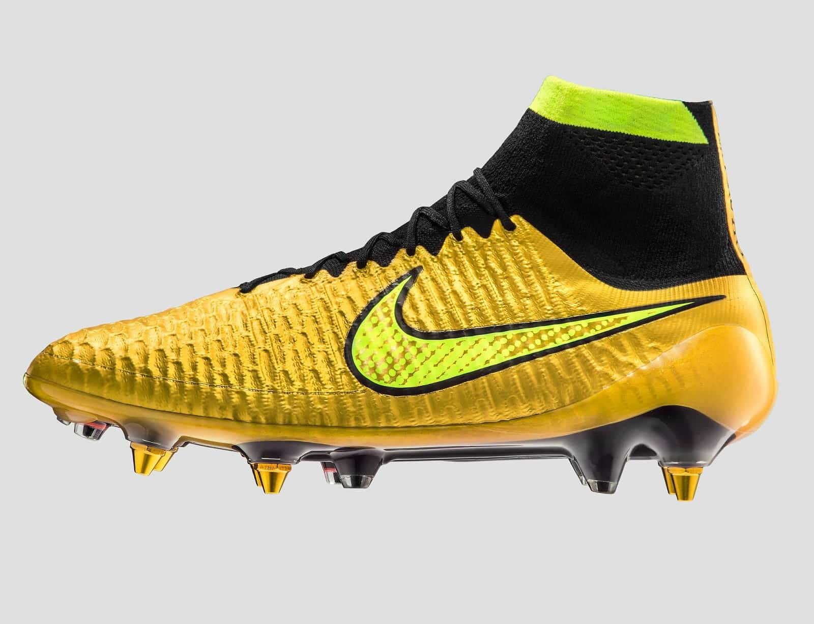 Nike-iD-pack-or-magista-obra