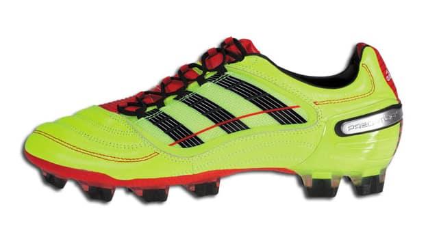 Lancée en 1994, le modèle Prédator d'Adidas est devenu l'un des modèles phare de la gamme de chaussure de football.