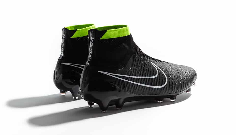 nike-pack-stealth-magista-4