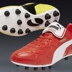 La Puma King Top 98: l'une rouge, l'autre jaune.