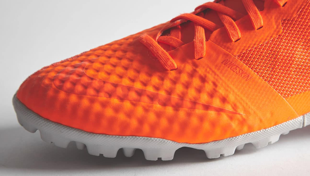nike-bomba-finale-II-orange-3