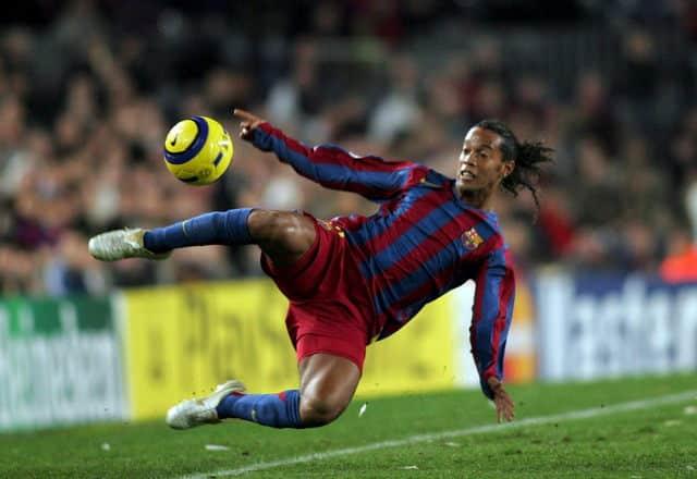 ronaldinho-nike-air-tiempo-legend-2005