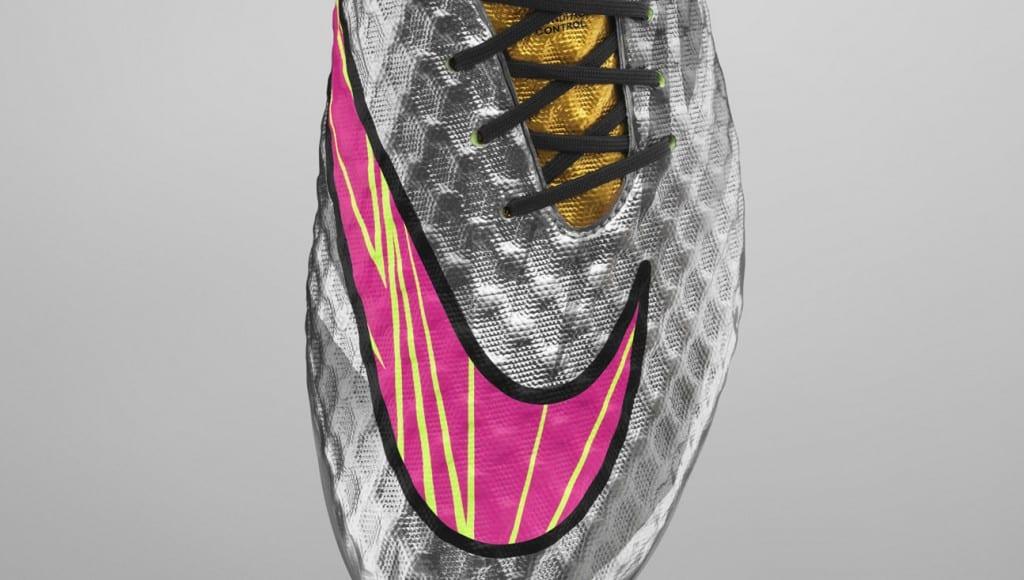 chaussure-neymar-nike-hypervenom-liquid-diamond-3
