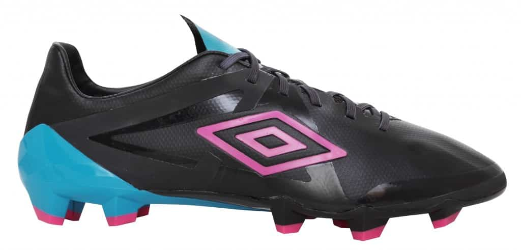 chaussure-umbro-velocita-pro-noir-rose-bleu