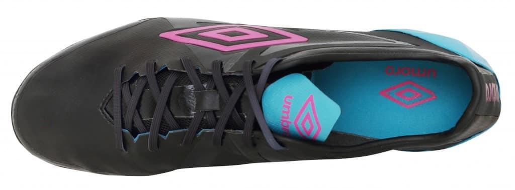 chaussure-umbro-velocita-pro-noir-rose-bleu-3