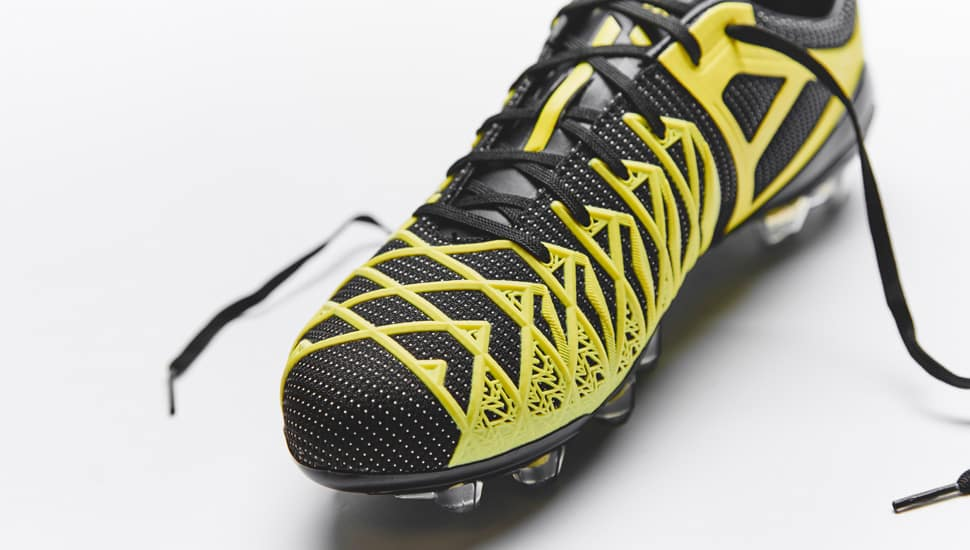 umbro-ux1-concept-noir-jaune-4
