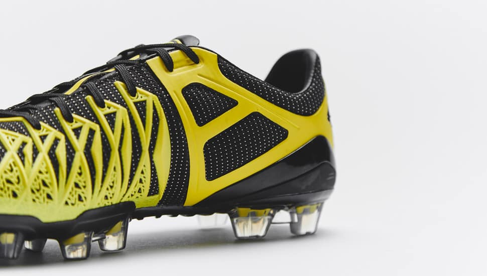 umbro-ux1-concept-noir-jaune-5