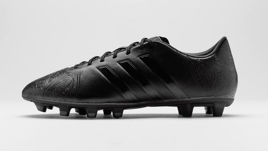 chaussure-football-adidas-black-pack-11Pro