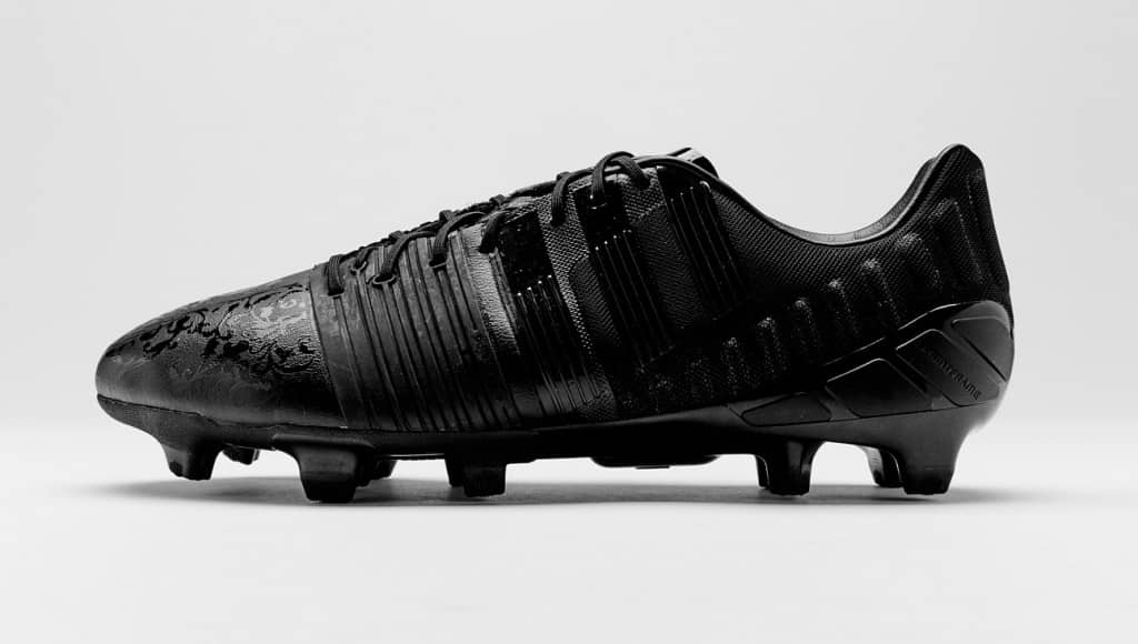 chaussure-football-adidas-black-pack-nitrocharge