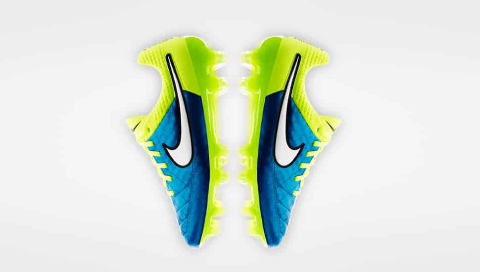 chaussure-football-nike-femme-coupe-du-monde-2015-3
