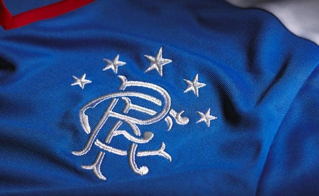 Équipé par Puma, découvrez le nouveau maillot domicile des Glasgow Rangers pour la saison 2015-2016.
