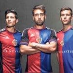 Le maillot domicile 2015-2016 du FC Bâle