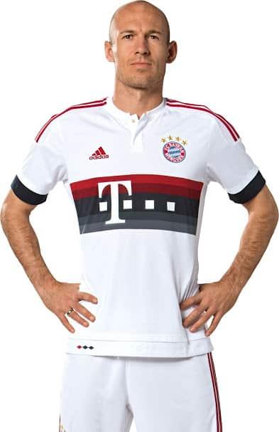 Champion d'Allemagne et demi-finaliste de la Ligue des Champions, le Bayern Munich vient de dévoiler ses nouveaux maillots pour la saison 2015-2016