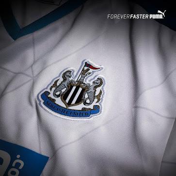 En difficulté en championnat, les Magpies de Newcastle United viennent de présenter les maillots 2015-2016 , signés Puma.