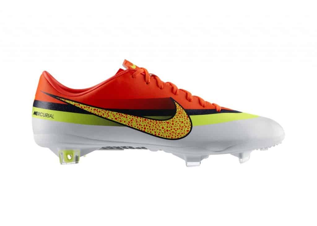 nike-mercurial-vapor-blanc-orange-rouge-CR7