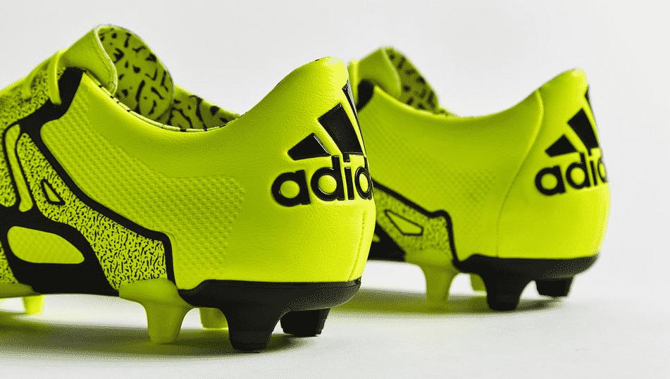 Quelques jours après avoir présenté ses deux nouveaux silos, adidas dévoile la version leather du modèle X15