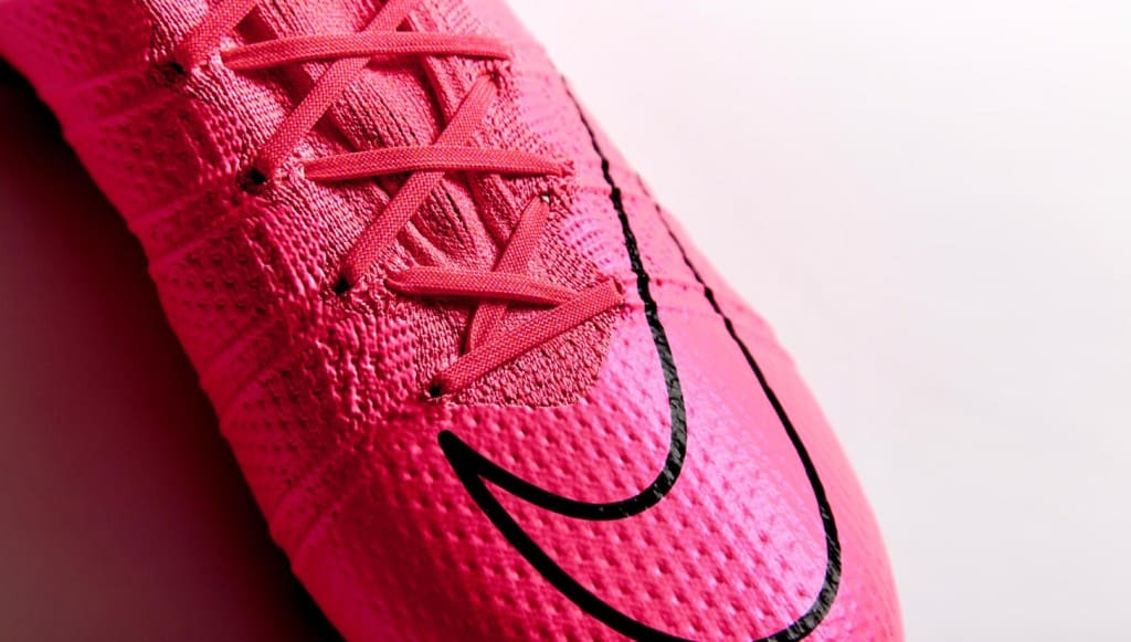 chaussure-football-nike-mercurial-superfly-rose