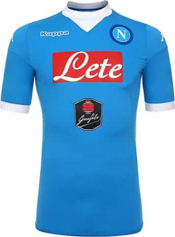 Pour la saison 2015-2016, Naples et son équipementier Kappa viennent de dévoiler le maillot domicile du Napoli.