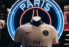 Image de l'article Le maillot extérieur 2015-2016 du Paris SG par Nike