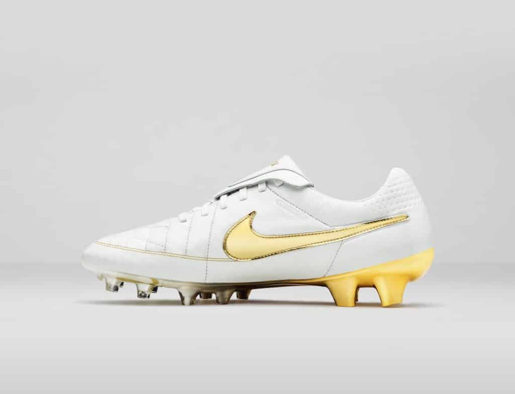 """Nike Air Tiempo Legend """"Touch of Gold"""" édition 2015"""